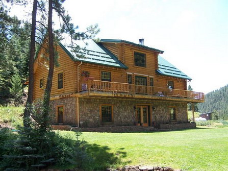 Wilderness Gateway Bed and Breakfast in the Wilderness Mountains of New Mexico